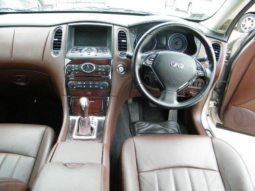 2010 Infinity EX37 GT 4WD, mileage 106670 KM.