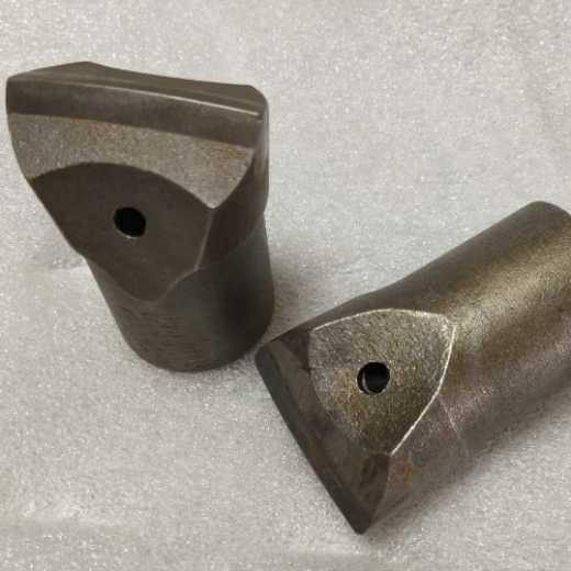 tungsten carbide flat drill with various size and cheaper wholesale price, used for rock drilling and crushing, and is used in mines and tunnels with rock drilling rods